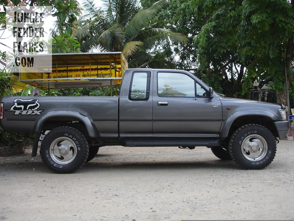 Toyota Hilux -1996 wheel flares