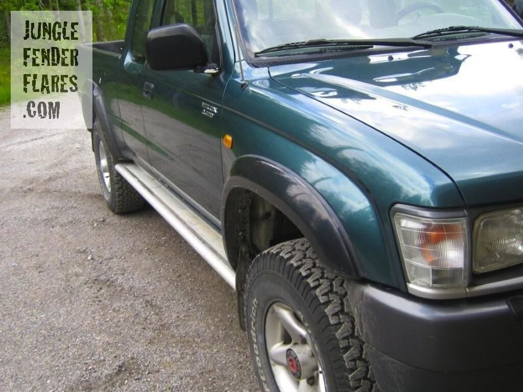 Toyota Hilux -2001 with mk4 wheel arch fender flares