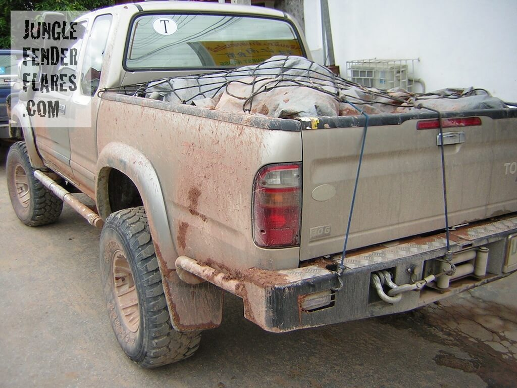 Toyota Hilux mk4 factory wheel arches