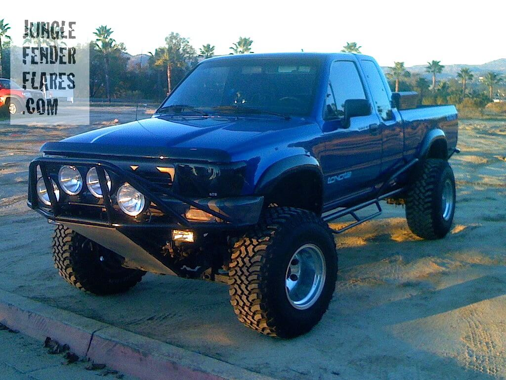 Toyota Pickup 4wd -1989 wth suspension lift and wheel flares