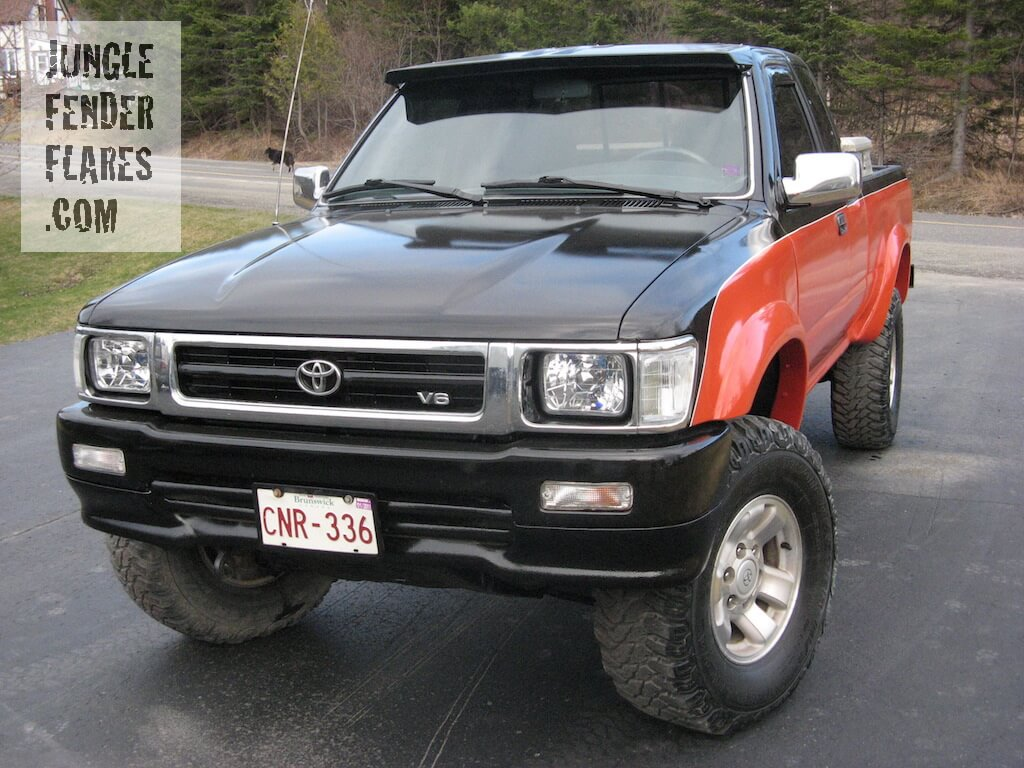 4x4 Toyota Pick Up Truck -1993 SR5 FenderFlares