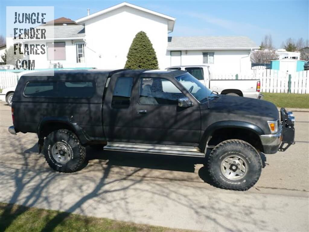 Toyota Pickup Truck -1992 lift and fenderflares