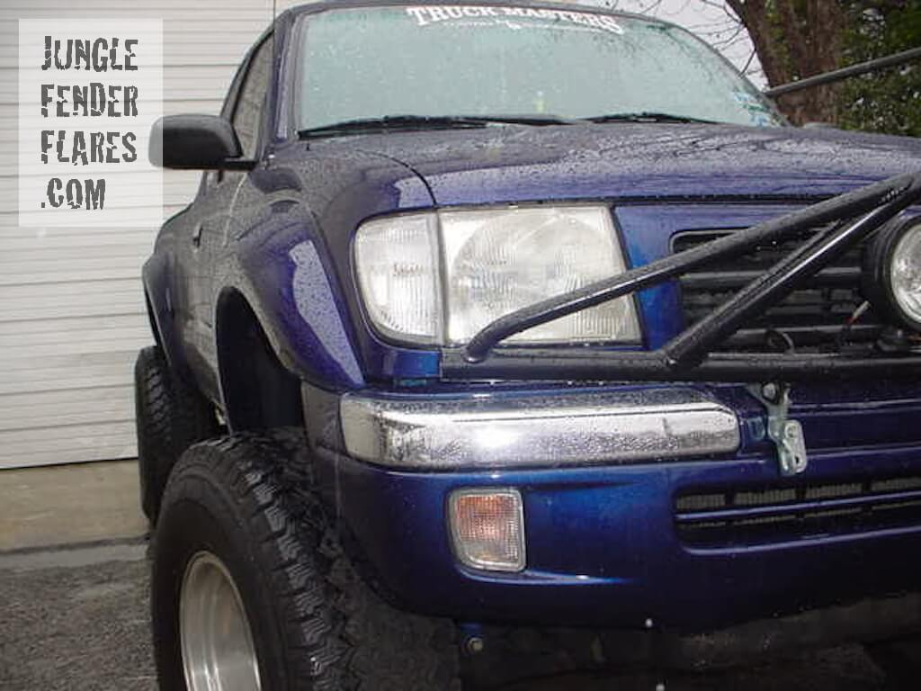 2005 Toyota Taco with painted fender flares