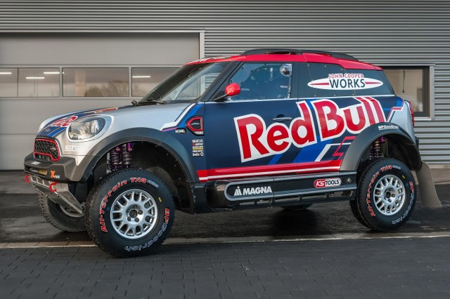 bryce menzies is attacking 2017 dakar in a mini jungle fender flares best 4x4 flares. Black Bedroom Furniture Sets. Home Design Ideas