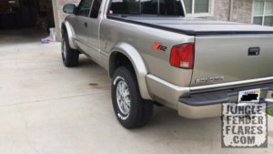 ZR2 Chevy S10 and GMC Sonoma Fender Flare Fitment | Jungle