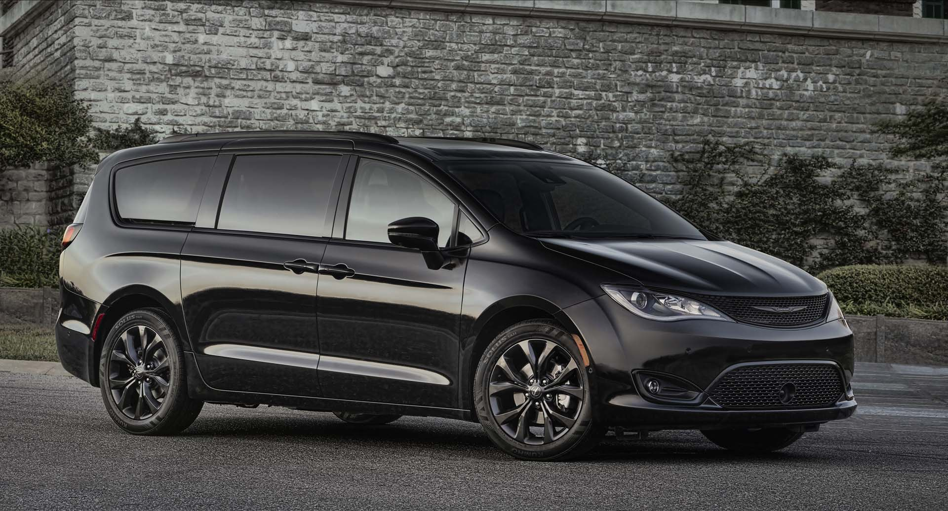 2019 Chrysler Pacifica Review, Ratings, Specs, Prices, and Photos | Jungle Fender Flares - Best ...