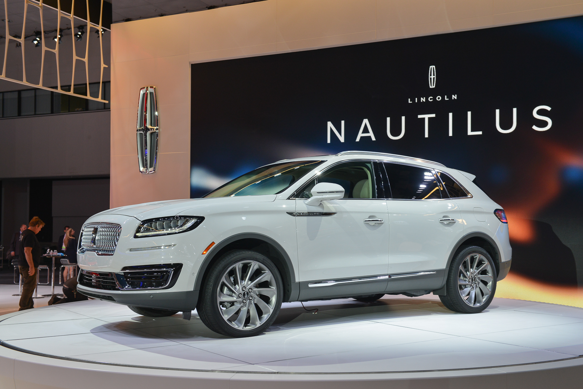 2020 Lincoln Nautilus Review, Price, Colors >> 2019 Lincoln Nautilus Review Ratings Specs Prices And Photos