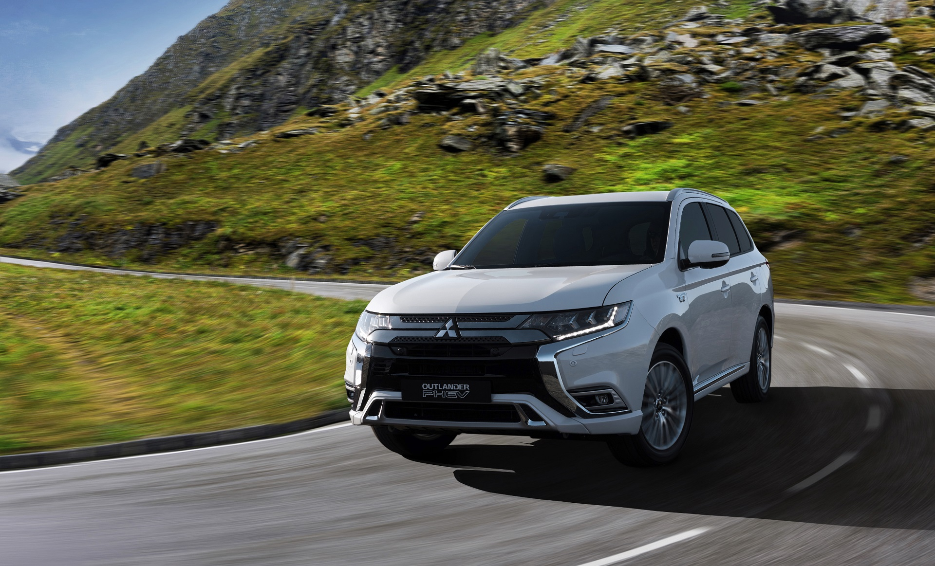 2019 Mitsubishi Outlander Review Ratings Specs Prices And Photos