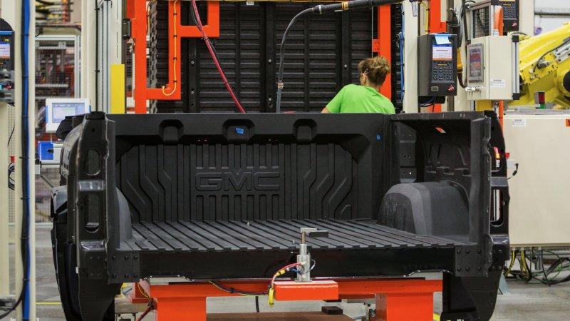 2019 GMC Sierra carbon fiber bed: How it's made | Jungle Fender
